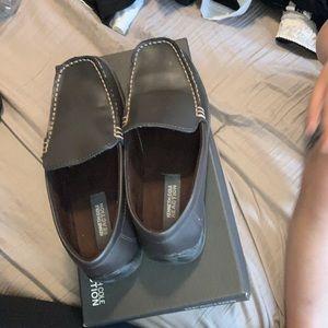 Boys shoes size 4